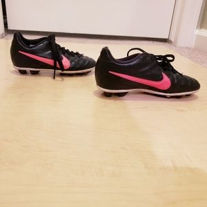 Nike Junior Chaser FG Girls Cleats Sz 11C